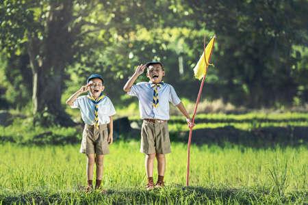 Boy Scout fare un giuramento Archivio Fotografico