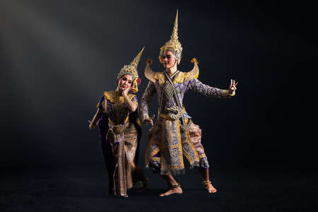 Khon show in traditional costume of Thailand 스톡 콘텐츠