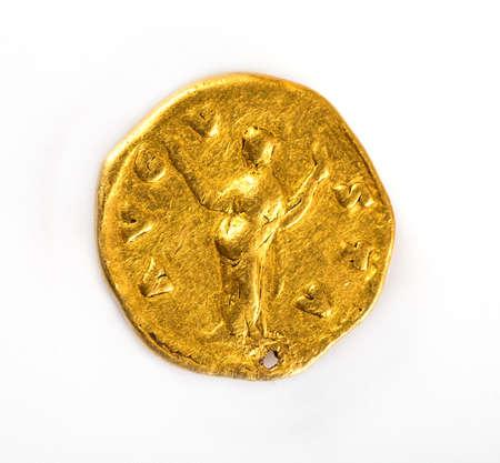 Faustina Senior, esposa de Antoninus Pius, AD 138-161. Oro Aureus