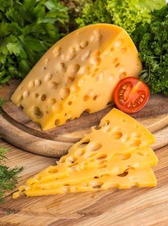 チーズ ボード - 様々 なタイプのソフトとハードのチーズ。乳製品料理。