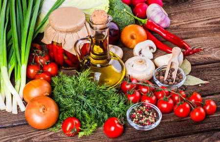 Bio Healthy food, herbs and spices. Organic vegetables on wood Banco de Imagens