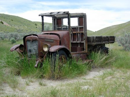 abandoned car: An old abandoned truck