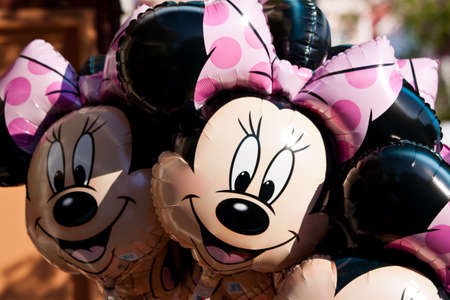 happyness: Paris, France, 01 June 2011 - Minnie Mouse Balloons