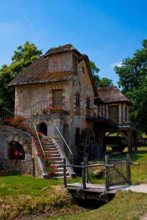 molino de agua: El Molino, molino de agua construido para casa de María Antonieta