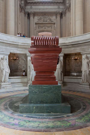 napoleon: Napoleon Tomb at Les Invalides in Paris