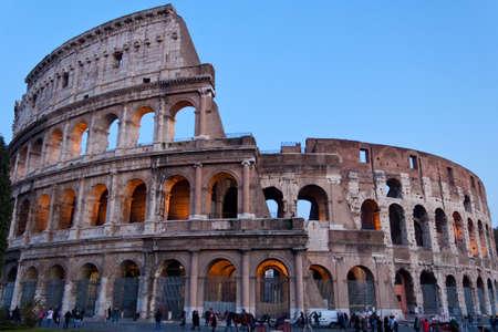 Le Colisée, aussi appelé Amphithéâtre Flavien, à Rome, Italie Banque d'images - 11581110
