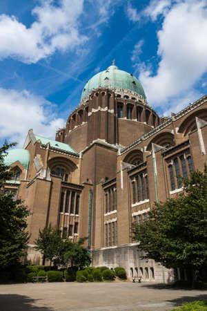 sacre coeur: Basilique du Sacré-Coeur de Koekelberg à Bruxelles, Belgique Banque d'images