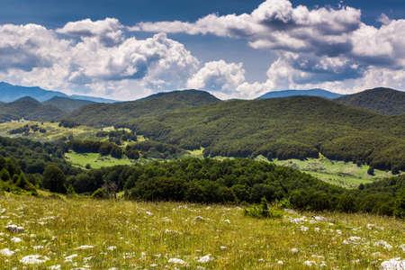 abruzzo: Summer mountain landscape