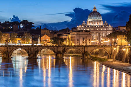 roma: St. Peter's Basilica at night in Rome, Italy