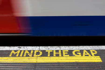 Mind the Gap, Londra yeraltı