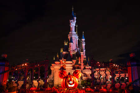 Disneyland Paris Castle during Halloween Celebrations Editoriali