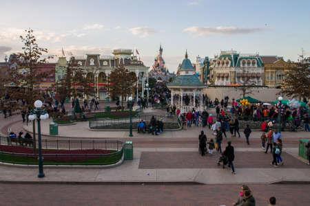 minnie mouse: Disneyland Paris, Paris, France