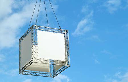 voluminous: Highly raised voluminous shield-cube to advertise