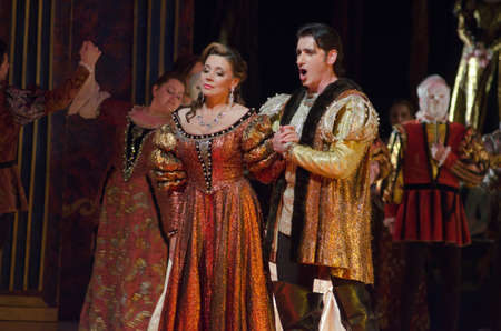 DNIPRO, Ucrania - 25 de mayo, 2016: Rigoletto ópera representada por miembros de la Opera Estatal de Dnipropetrovsk y Ballet. Editorial