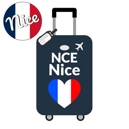 Bagages avec code gare aéroport IATA ou identifiant de localisation et nom de la ville de destination Nice, NCE. Voyage en France, concept Europe. Drapeau en forme de coeur de la France sur les bagages
