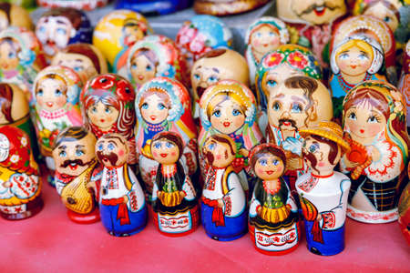 Wooden Nesting Dolls or Russian Matryoshka Dolls for sale in St Petersburg, Russia Stok Fotoğraf - 130697870