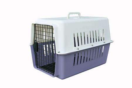 여행에 관한 애완 동물 용품 : 격리 된 흰색에 애완 동물과 함께 여행하는 애완 동물 운반 대