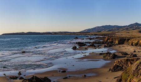 San Simeon California, February 15, 2018:  Coastal views along Highway 1 just south of San Simeon. Imagens