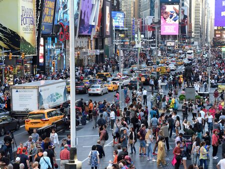 New York, USA - May 2018: Crowd of people at Times Square in New York. Redactioneel