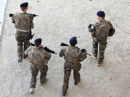 Paris, France - September 2, 2019: A military patrol in the center of  Paris. Редакционное