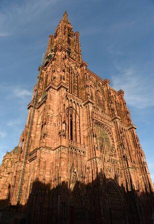Straßburger Münster oder die Kathedrale Unserer Lieben Frau von Straßburg in Straßburg, Frankreich. Standard-Bild