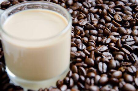 Kaffee Milch mit Kaffee Samen