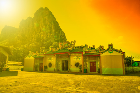 Chinese shrines are decorated with a dragon statue.The sanctuary of the Chinese