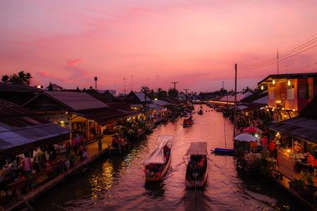 floating market Amphawa photo