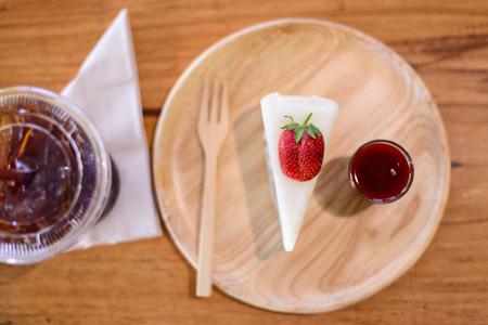 crepas: Crepes de la fresa de la torta con caf�
