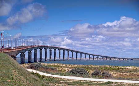 Ile de R�, La Rochelle, France. le pont routier entre le continent et l'ile-de-re dans la vendee fran�aises