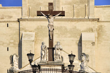 The Popes Palace in Avignon, France: Statues in front of the Notre-Dame des Doms Cathedral