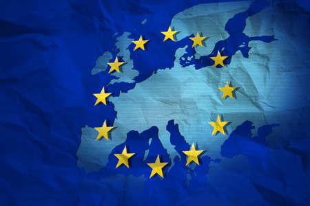 zone euro: Drapeau europ�en sur le papier froiss�: crise de la zone euro