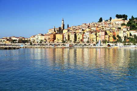 Vue panoramique de Menton, sur la C�te d'Azur fran�aise dans le sud de la France, pr�s de Monaco Banque d'images