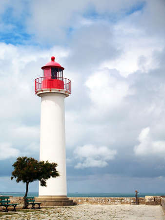 Le phare de Saint-Martin-de-R� sur l'�le de R� L'�le de R� Ile de R� est une c�l�bre station de vacances sur la c�te atlantique, l'�le a sa juste part des c�l�brit�s pass�es et pr�sentes Banque d'images