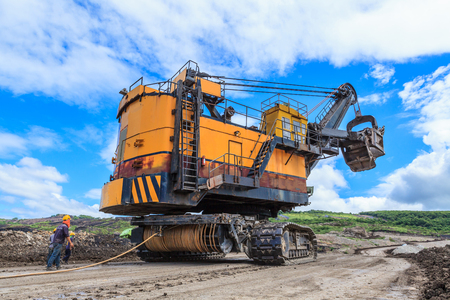 Electric Shovel move in Lignite mining