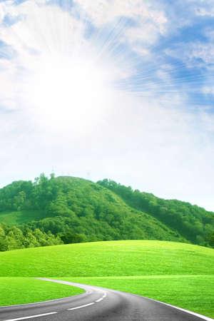 背景の年の空に抽象的なシーン自動車道