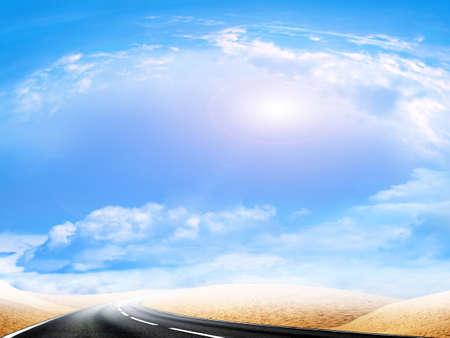 年グロー空の下で抽象的なシーンの砂漠