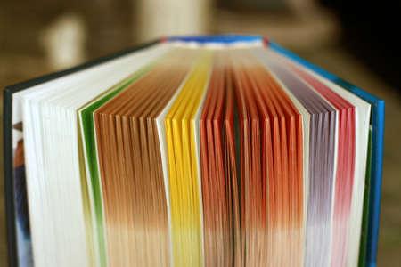 Libro di colore varie fogli scena astratta Archivio Fotografico - 9340510