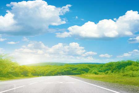 抽象的な夏の日と道路 写真素材
