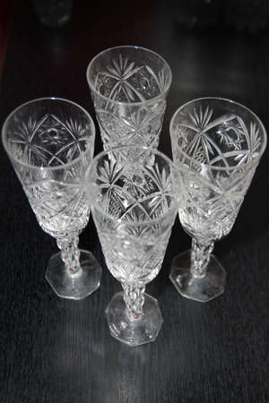 plane table: abstracto vino de licor de vidrio para mesa en plano de fondo
