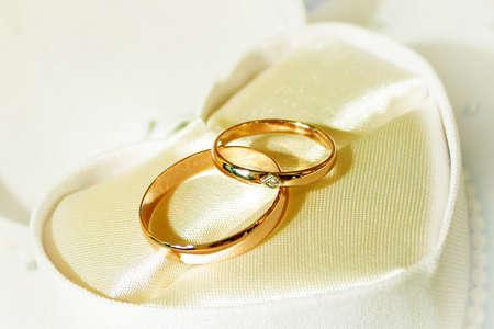 シンボルの休日結婚式としてシーン 2 リング