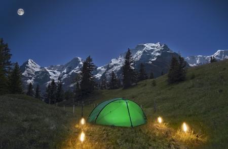 Full Moon über die Alpen Standard-Bild - 15983844