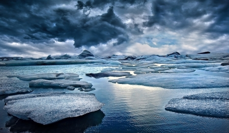 arctic landscape: Icebergs at Jokulsarlon Glacial Lagoon in Iceland Stock Photo