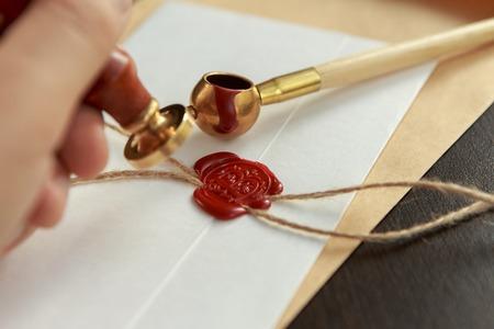 Penna e timbro del pubblico notarile su testamento e testamento. Strumenti notarili Archivio Fotografico