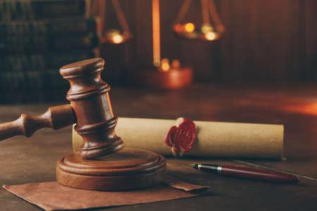 Judge gavel, envelope and testament. Notary public office 版權商用圖片