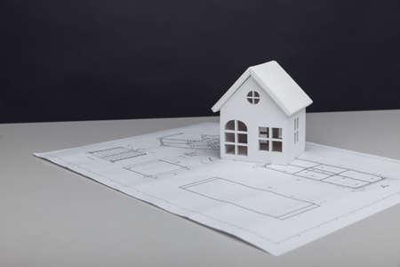 White model of house on drawing 版權商用圖片
