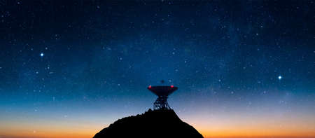 Landscape with signal receiving radio telescope in starry night sky - 3d illustration Standard-Bild - 163429661