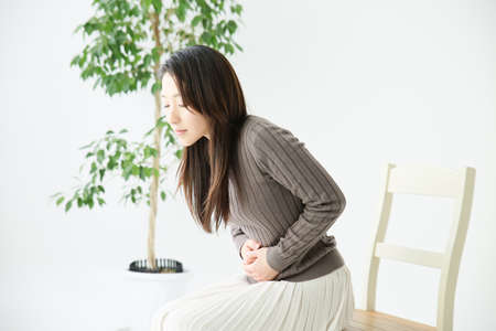keep your hands: My stomach hurts women