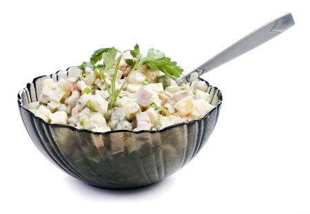 huzarensalade: Olivier. salade op een witte achtergrond voor uw ontwerp Stockfoto