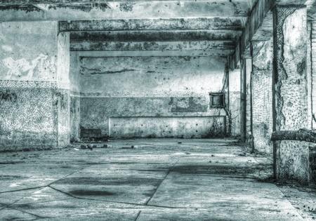 habitacion desordenada: Imagen de alto rango din�mico de un edificio abandonado